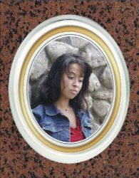 Снимка 10-12 златен кант